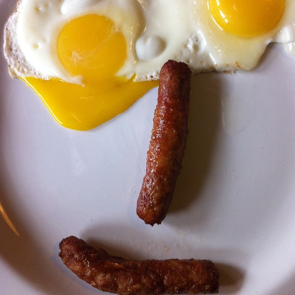 Sunny Side Up Eggs And Sausages @ 14 Carrot Cafe