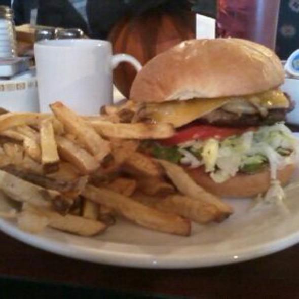 Classic Cheese Burger W/ Avacado