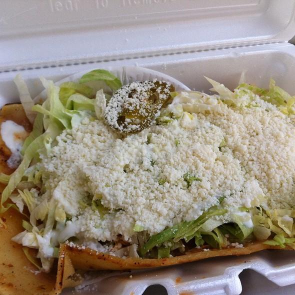 Huarache Tinga @ Tacos El Idolo - Taco Truck
