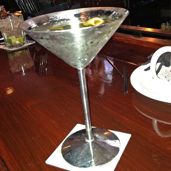 Hendricks Dirty Martini @ Spelly's Pub & Grill