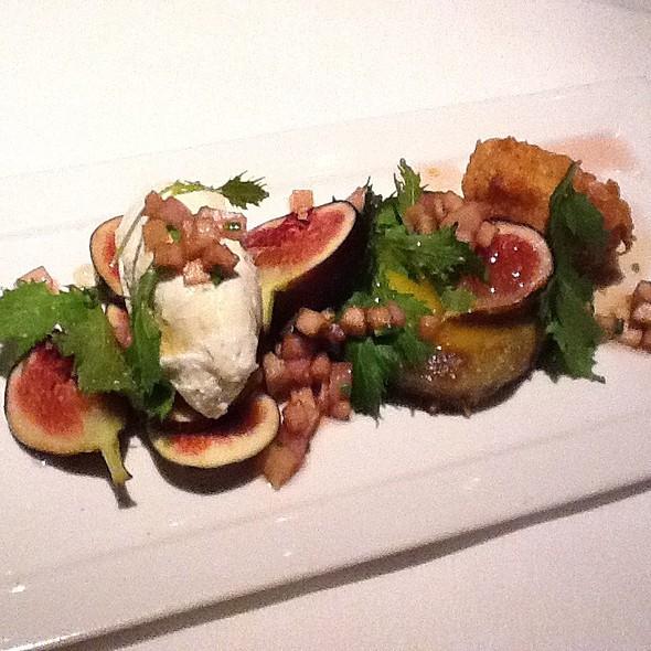 Pan Roasted Red Snapper + Sweet Potato Hash @ Benjy's On Washington