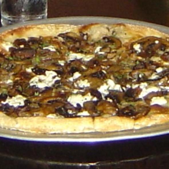 Zeta - Roasted Mushroom & Goat Cheese Pizza @ Copa Wine Bar