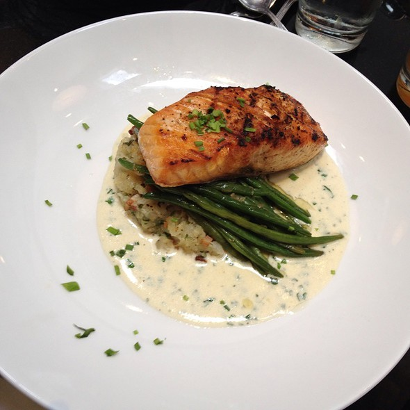Grilled Salmon With Potatoes And Green Beans - Derek's, Philadelphia, PA
