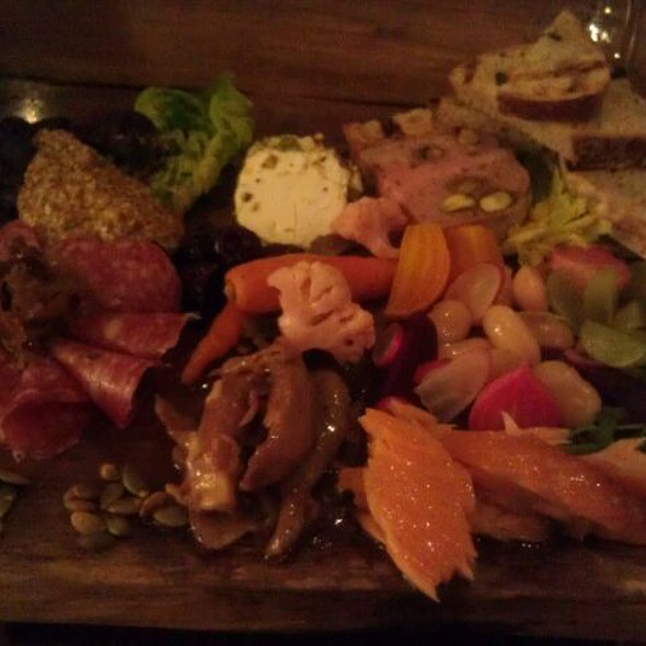 Nosh board @ Beckett's Table