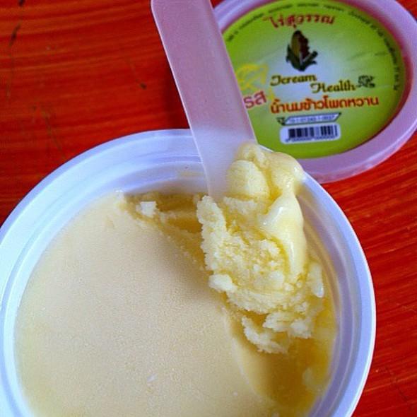 Corn Ice-cream @ Suwan Farm's Sweet Corn