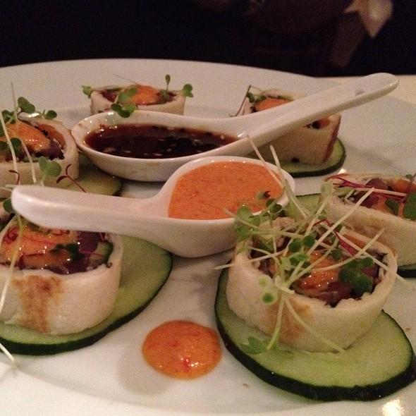 Tuna sushi roll - Olivos Restaurant, Doral, FL