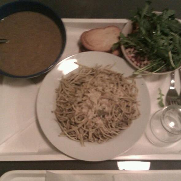 Lentil Soup, Aglio e Olio, Salad @ Gorilla Vega Büfé