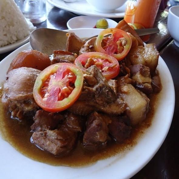 Chicken and Pork Adobo @ Leslie's Restaurant, Tagaytay
