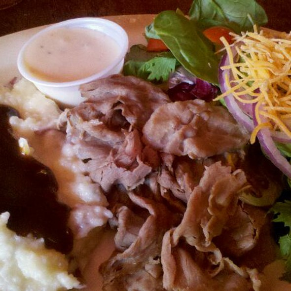 Thinly Sliced Roast Beef With Red Skin Mashed Potatoes @ Cregeen's Irish Pub