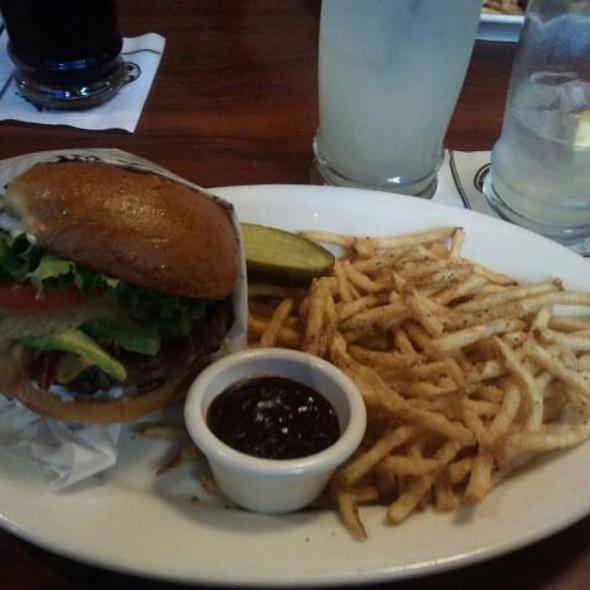 The Widowmaker @ Claim Jumper Restaurant