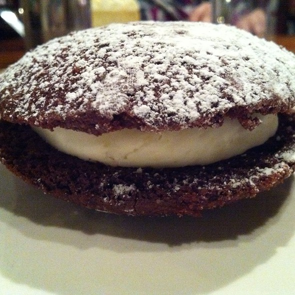 Red velvet whoopie pie @ Muss & Turner's Inc