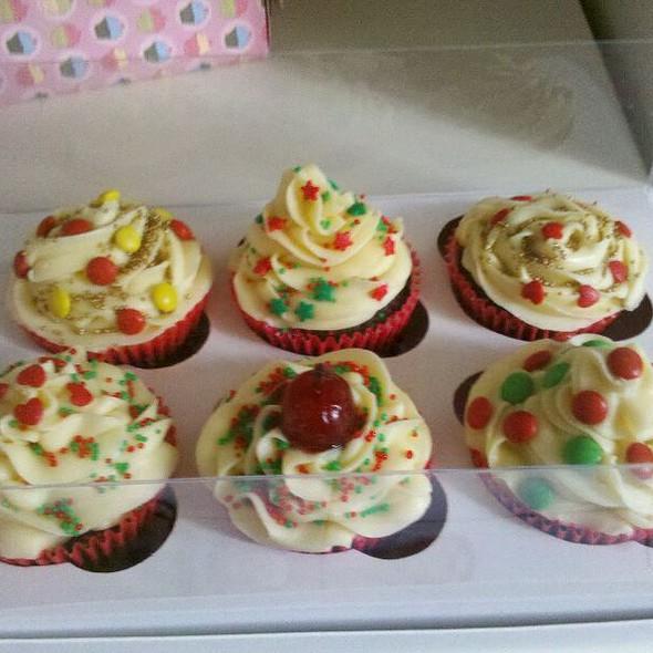 Kit Cupcakes De Natal Mariana Ferraz @ Cruzeiro Novo