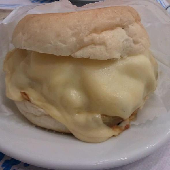 Cheese burger especial @ Osnir Hamburger