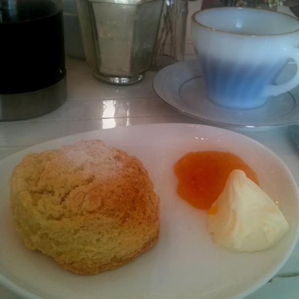 Homemade Scones - L'ouvrier, Toronto, ON