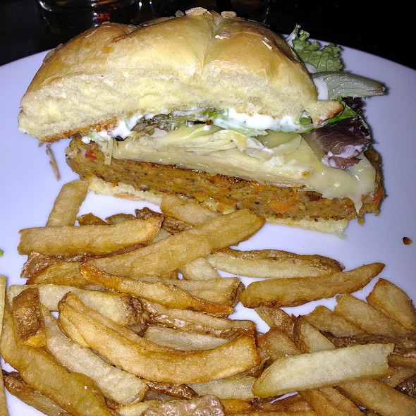 Walnut Burger @ Brocach On Monroe