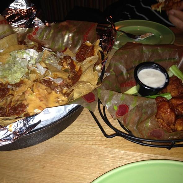 "Southern Fried BBQ ""Chicken"" Wings @ Applebee's Neighborhood Grill"