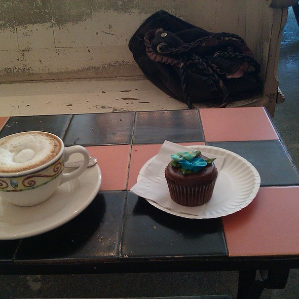 chocolate cupcake and cappuccino
