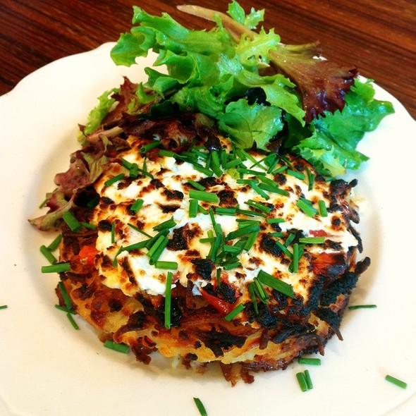 Paillason Chèvre Tomate @ Paul Bakery Cafe