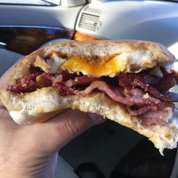 Egg & Bacon Roll