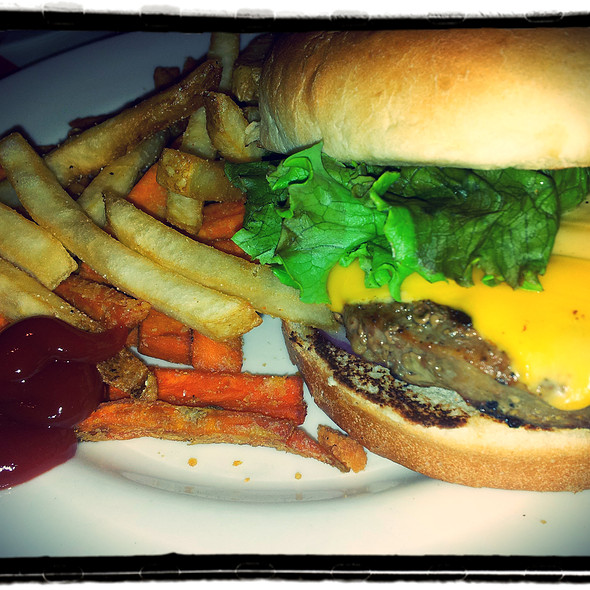 Cheese Burger @ T.G.I. Friday's