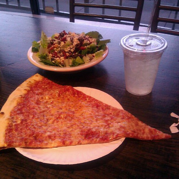 Pizza @ Abo's Pizza