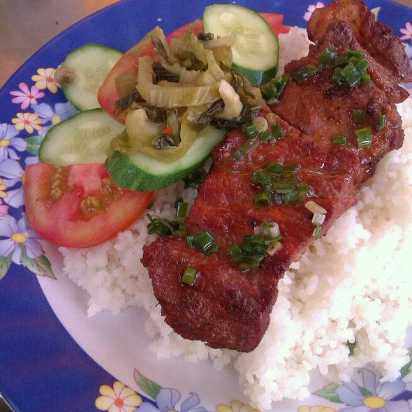 Vietnamese Grilled Pork Over Rice (Com Tam)