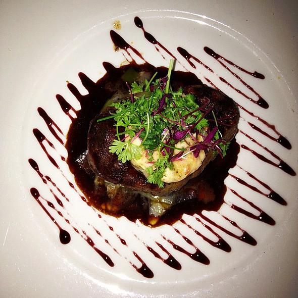 saturday night treat w/ @gretchhackmann & friends @ Searsucker Restaurant & Bar