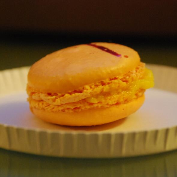 Mango Macaron @ Macaron  Cafe