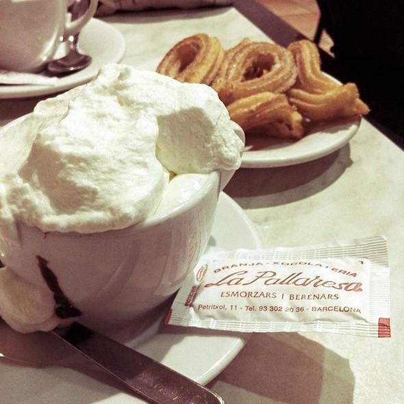 Chocolate Suizo Con Churros @ Granja La Pallaresa