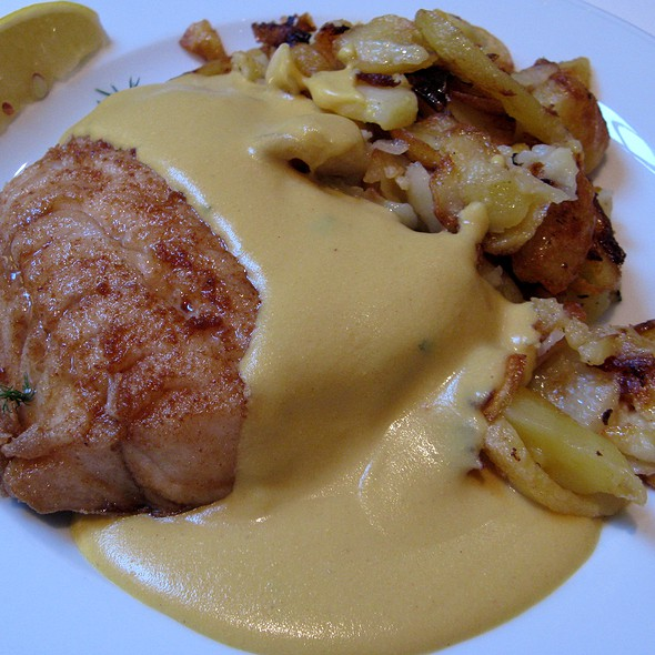 Hamburg Pan Fish @ Paparazzi Restaurant