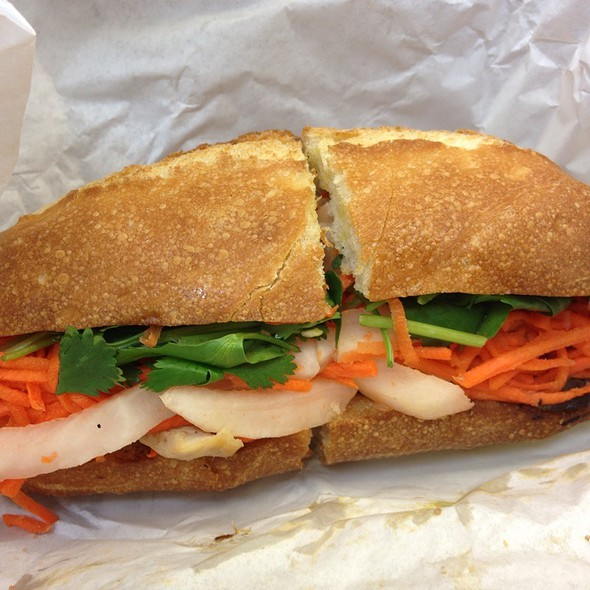 Chicken Bahn Mi @ Cafe Bunn Mi
