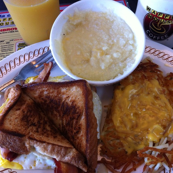 Bacon, Egg & Cheese Texas Melt