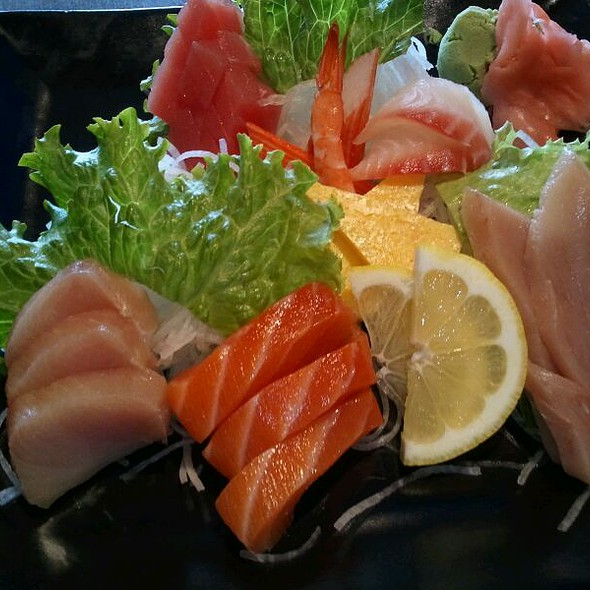 Sashimi Combination @ Hanabi Sushi Bar
