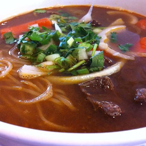 Beef noodle soup @ Banh Mi Che Cali