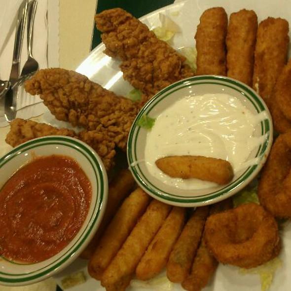 Appetizer Platter @ Mel's Drive-In: Restaurant