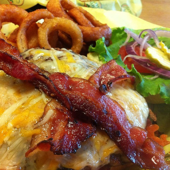 Big Bad Bacon Burger @ Country Kitchen