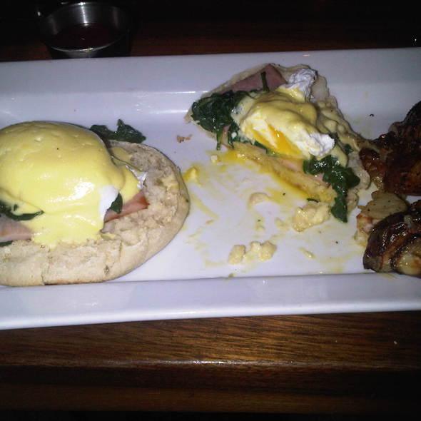 Eggs Benedict - Marathon - 16th & Sansom, Philadelphia, PA