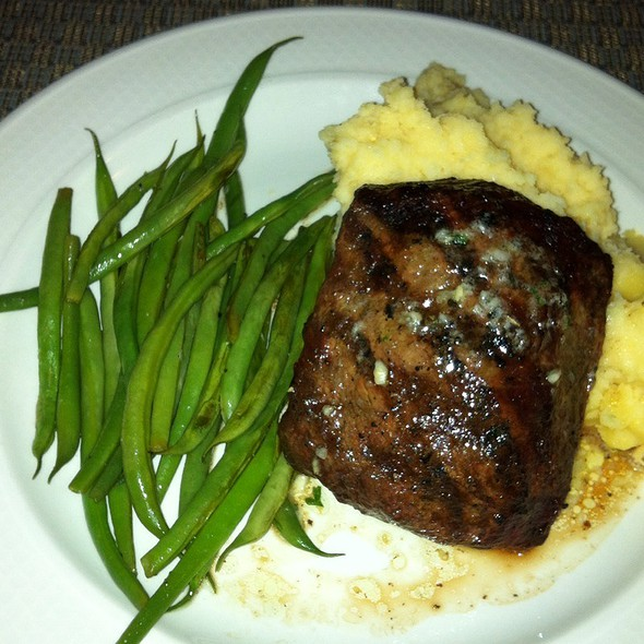 Flat Iron Steak With Garlic Butter, Smoked Cheddar Mashed Potatoes, And Green Beans - Liberty Tavern, Omaha, NE