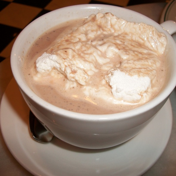 Hot chocolate with homemade marshmallow