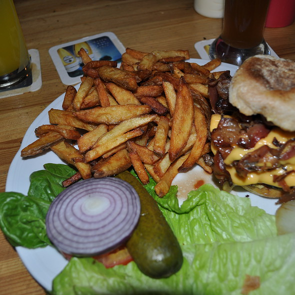 Da Birdhouse Burger @ The Bird Restaurant