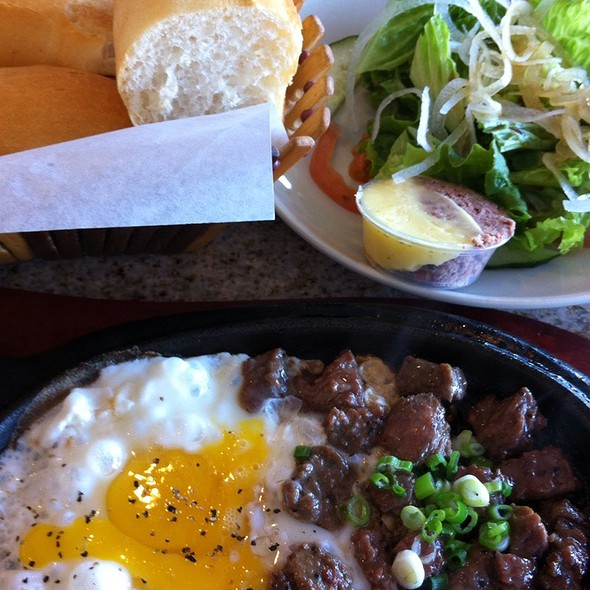 Vietnamese Steak and Eggs with Salad & French Bread @ Tân Ba Lę