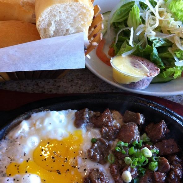Vietnamese Steak and Eggs with Salad & French Bread @ Tân Ba Lę