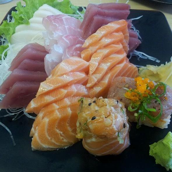 Sushi e Sashimi @ Peixaria Uo Katsu Alimentos Ltda