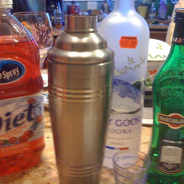 Grey Goose Cosmopolitan Martini Coctail Mixers @ Rick's Home