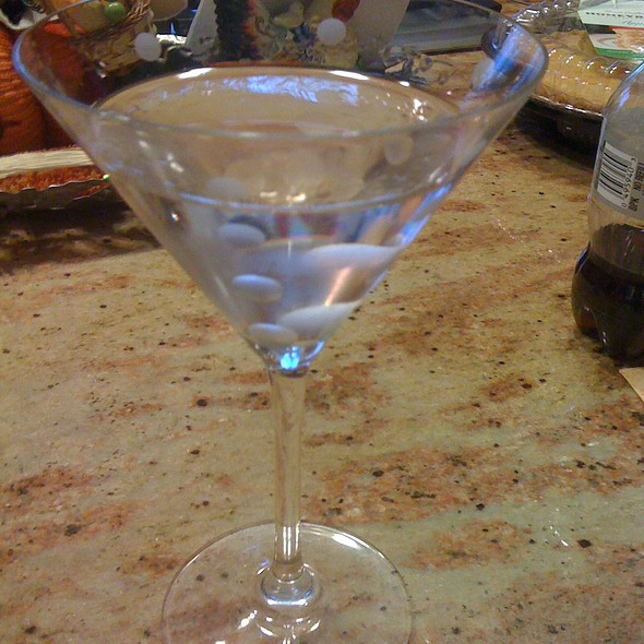 Grey Goose Vodka Martini Cocktail 'extra dry'  @ Rick's Home