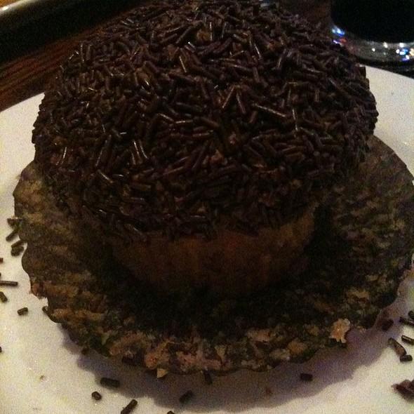 Peanut Butter Chocolate Cupcake @ Sprinkles Cupcakes