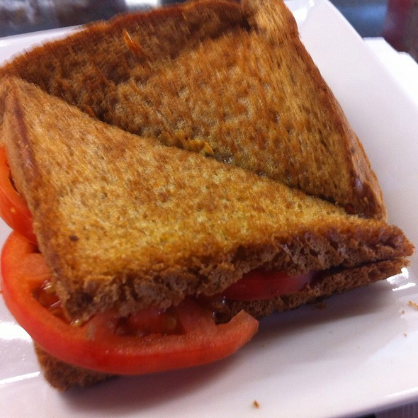 Grilled Cheese  And Tomato On Wheat @ Broadway Market