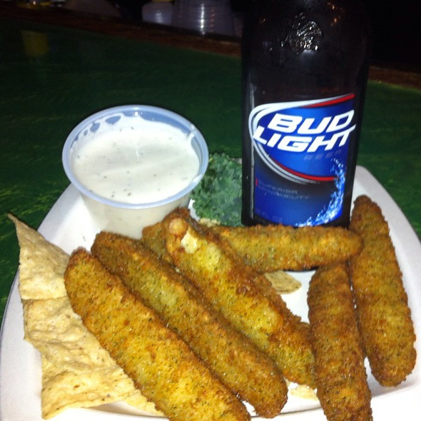 Beer Battered Pickles @ Pickles Pub