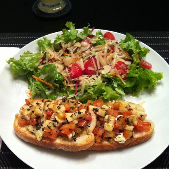 Nanda's Salad @ my