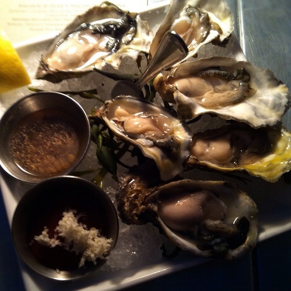 Oysters @ Anchor & Hope